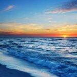 Gün batımı denize karşı